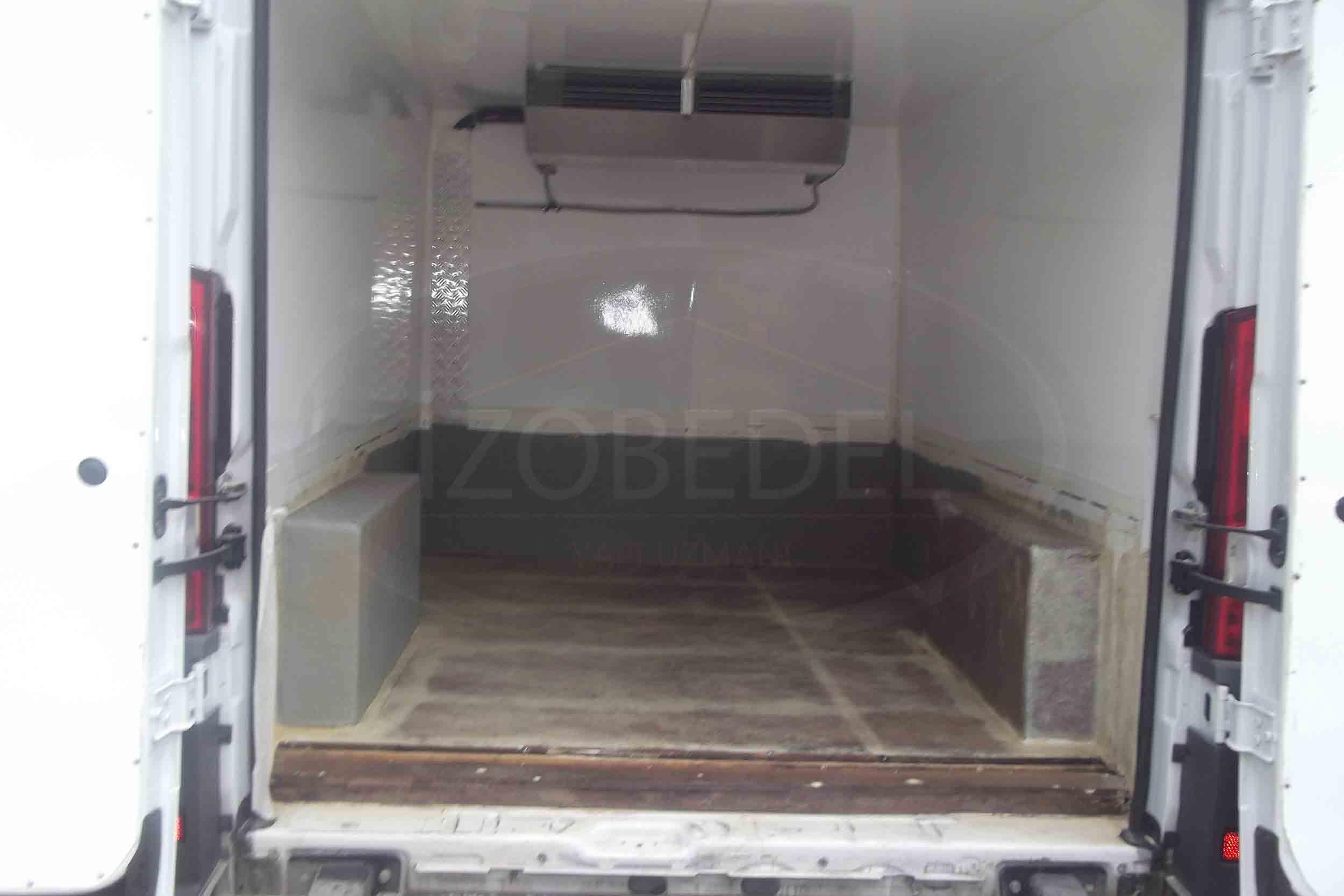 sprey-polyurea-araç-kasa-kaplama7